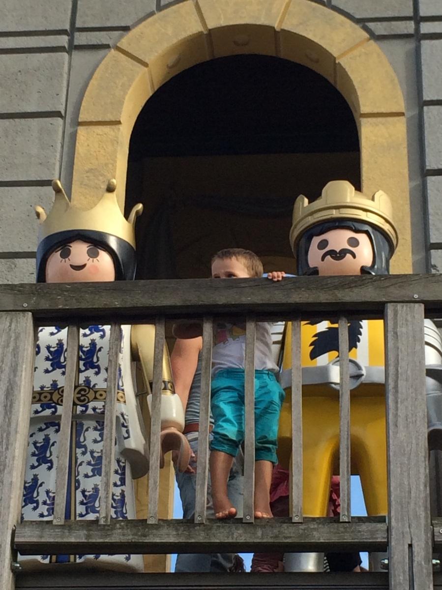 Während die Schlauen noch überlegen, stürmen die Dummen bereits die Burg ... (#160)